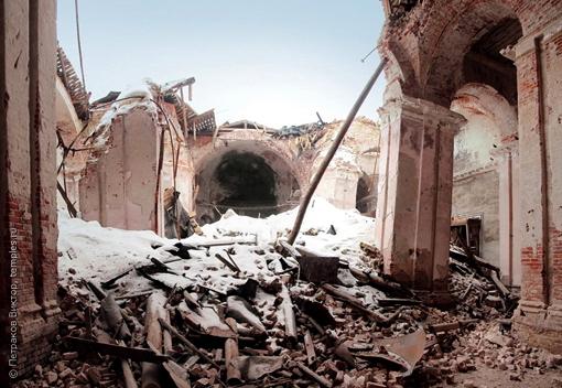 Руины Церкви Воскресения Христова г. [УДАЛЕНО], подвергшейся воздействию SCP-1009. width=300px