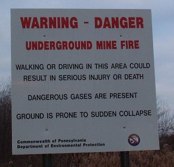 Предупреждающий знак, запрещающий входна территорию Участка 179. Снимок сделан4 октября 2006, ныне этого знака нет.