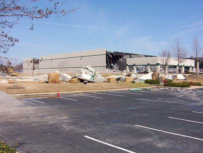 Обрушившаяся крыша Зоны 92. Обвал произошёл из-за разрушения нижних уровней Зоны.