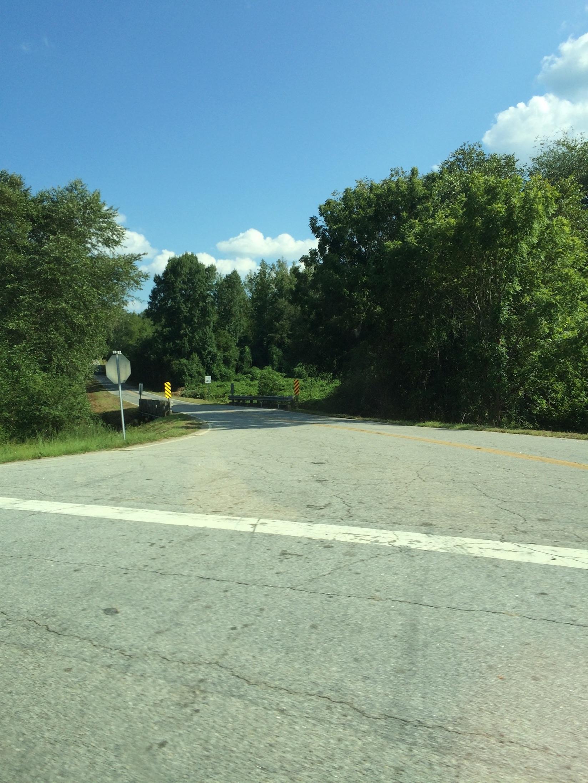 Одна из дорог, ведущих из [УДАЛЕНО], Вермонт.Фото сделано 24 августа 2015 в 00:48.|width=300px